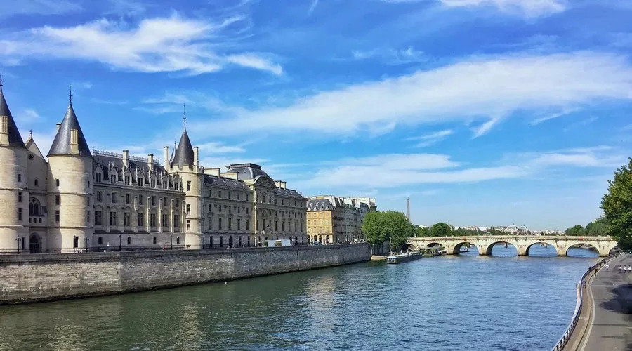 美麗的巴黎塞納河圖片_夾江塞納城邦圖片_豐田塞納圖片